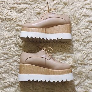 New Chase and Chloe Nude Platform Oxfords Size 7